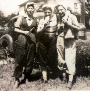 Rae (left) and sister-in-law Chi-Chi (middle)